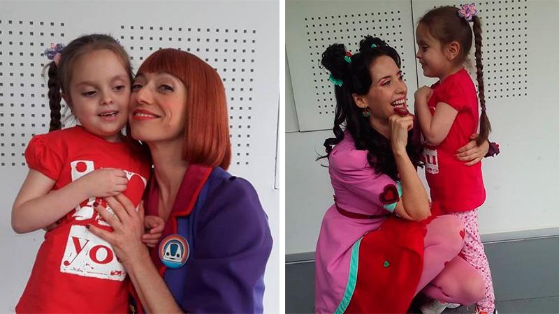 Guille con Lila, la conductora y Josefina, la modista