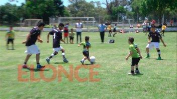Jugadores de Talla Baja disputaron un encuentro de fútbol por la integración