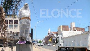 Se inaugura este lunes un monumento a Raúl Alfonsín