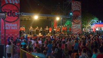 Folclore, cumbia y carnaval: Los artistas solidarios en Once por Todos