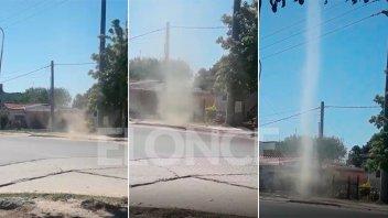 Video: El instante en el que un torbellino sorprendió a vecinos de Bajada Grande