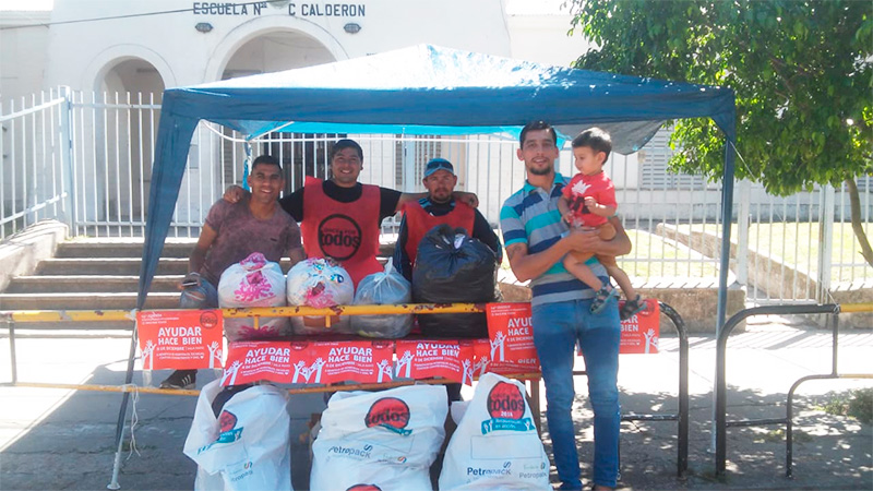 Vecinal San Agustín Centro recibe en la escuela Casiano Calderón