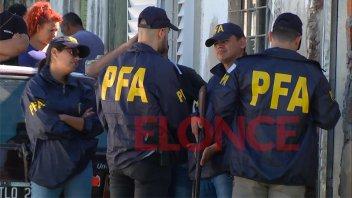 Hermetismo por operativo de Policía Federal en una vivienda de Paraná