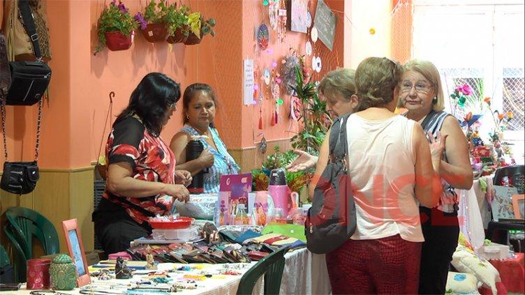 Hasta el viernes se realiza la 3º Feria Navideña Solidaria en la sede de APS