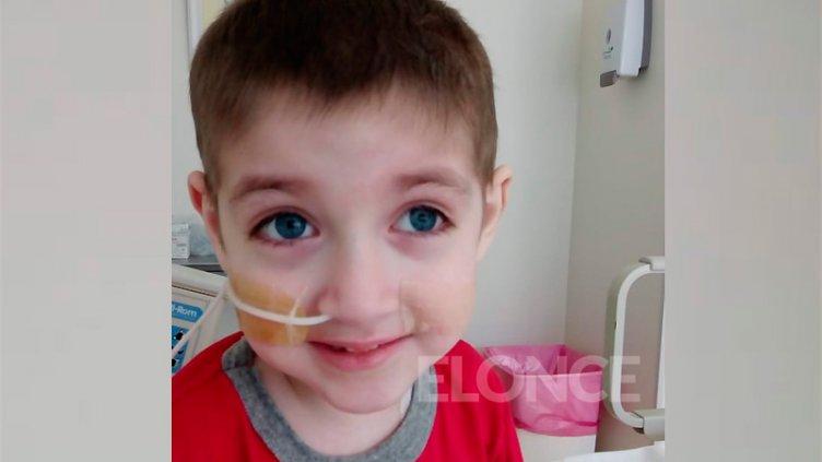 Piden que obra social reconozca droga para niño que padece cáncer