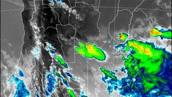 Alerta por tormentas fuertes para una zona de Entre Ríos y otras seis provincias