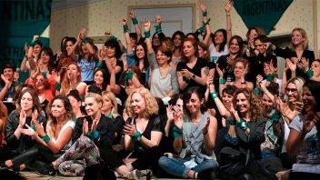 Colectivo de actrices tildan de machista a Papá Noel y a los Reyes Magos