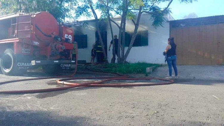 No pudieron robar en una casa en Paraná y la incendiaron con la familia adentro