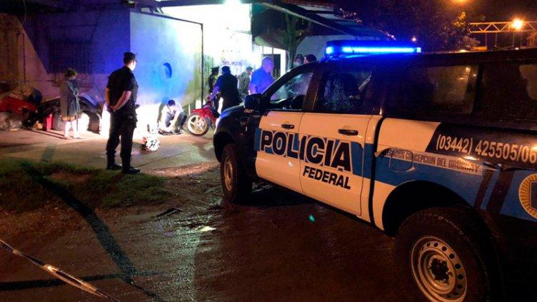 Trasladaban en moto más de tres kilos de droga y los detuvo la Policía Federal