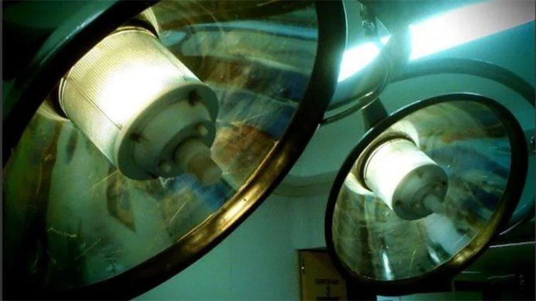 Una mujer murió tras una cirugía estética y su pareja denuncia mala praxis