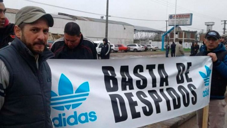 Cierra la fábrica de Adidas en Chivilcoy y quedan 600 familias en la calle