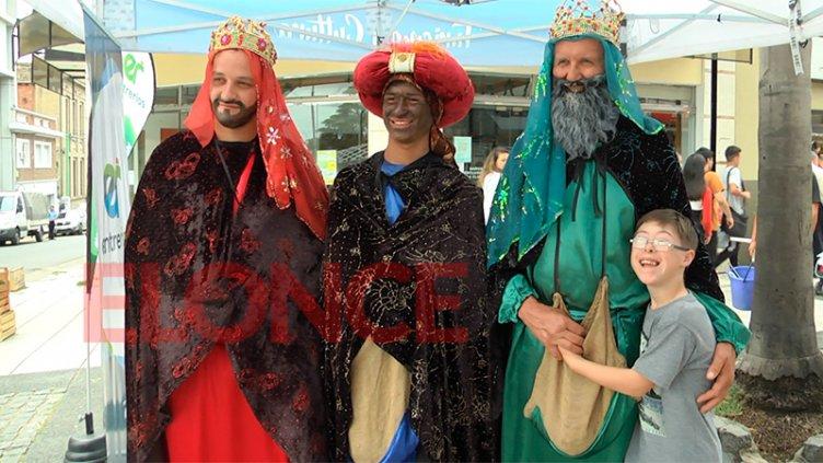 Los Reyes Magos invitaron a la gran fiesta en su paso por la Peatonal de Paraná