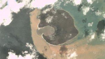 Indonesia:imágenes muestran la magnitud del derrumbe del volcán tras su erupción