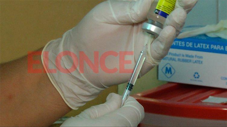 Inmunizan a niños en edad escolar: qué vacunas son las obligatorias