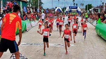 Con más de 2000 chicos se corre la Mini Maratón de Reyes