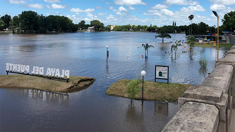 Monitorean el río Gualeguaychú
