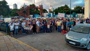 Clientes de planes ahorro de Paraná y Santa Fe se movilizaron este domingo