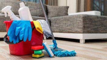 Suben los aportes para empleados de casas particulares