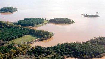 El nivel del lago de Salto Grande podría superar la cota de expropiación