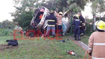 Nueva tragedia vial en Entre Ríos: Dos personas murieron al volcar un auto