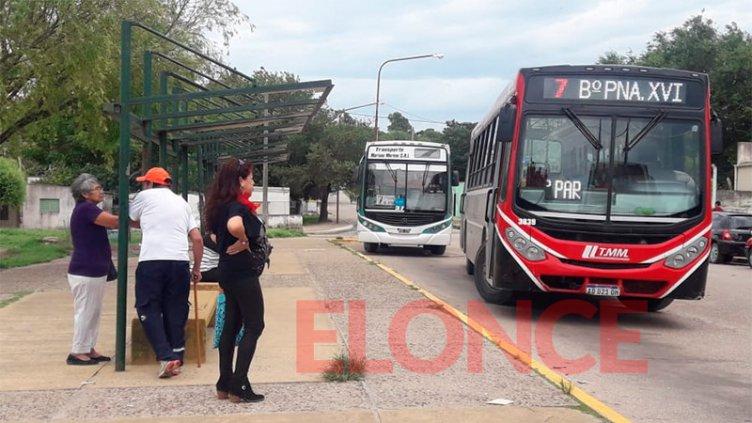Garantizarán la presencia policial en la parada de colectivos de Anacleto Medina