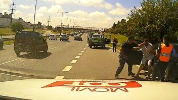 Video: Policía huyó de un control y fue detenido tras intensa persecución