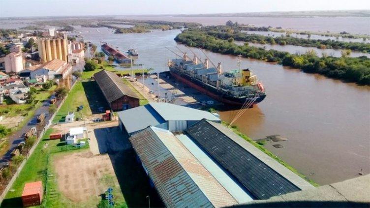 La creciente obligó a detener la operatoria del puerto de Concepción del Uruguay