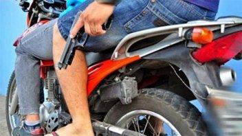 Perseguían a dos ladrones en moto y terminaron provocando un choque múltiple