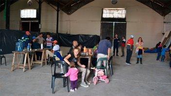 Evacuaron a más familias en Gualeguaychú y piden donaciones de lavandina