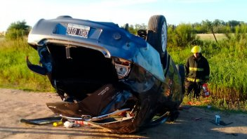 Una mujer perdió la vida tras el vuelco del auto que conducía