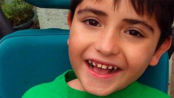Piden ayuda para costear tratamiento a niño con rara enfermedad