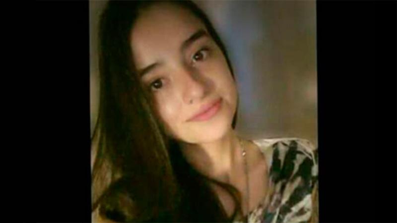 Joven buscada en Paraná: Se separó de su madre en el centro y no regresó