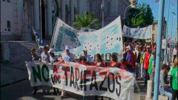 Agrupaciones reclamaron contra los tarifazos y las políticas nacionales