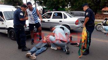Un anciano con lesiones, tras fuerte impacto contra el parabrisas de un vehículo