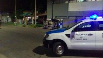 Varios vehículos involucrados en un choque múltiple con vuelco de un patrullero