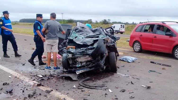 Dos fallecidos tras impresionante choque frontal en la Autovía Artigas