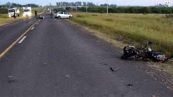 Dos motociclistas adolescentes fallecieron tras ser chocados por un auto