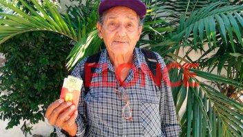 Para destacar: Jubilado entregó dinero y documentación que halló en la calle