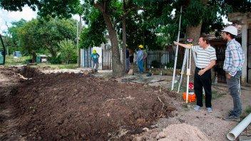 Varisco supervisó los avances de la obra de renovación de calle Miguel David