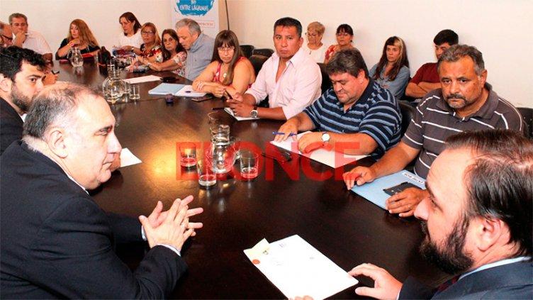 Paritaria estatal: El Gobierno ofreció un aumento del 15% a ATE y UPCN