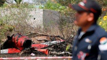 India: Chocaron dos aviones de acrobacias y murió un piloto