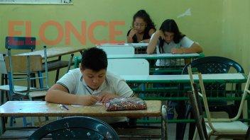 Iniciaron las mesas examinadoras para estudiantes primarios y secundarios