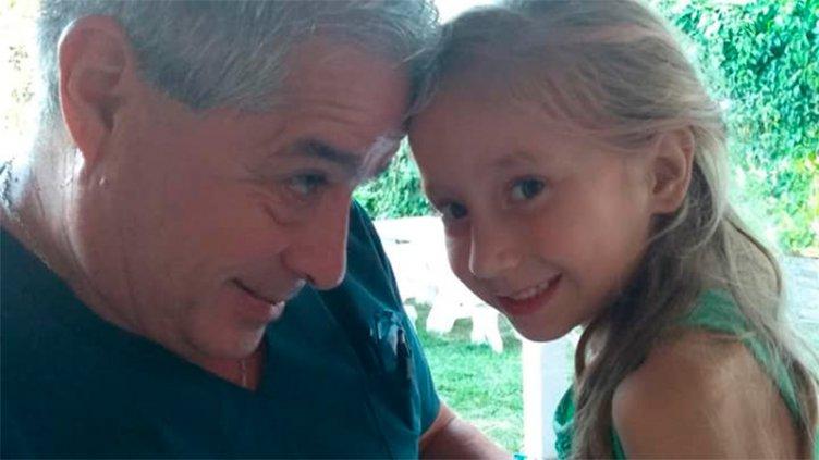 Joaquina recibió la visita del Dr. Paz, a dos meses del accidente en la pileta