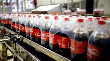 Coca Cola Femsa presentará una reestructuración que contemplaría despidos