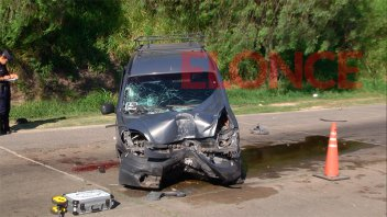 Conductor embistió a motociclista luego de impactar contra una columna