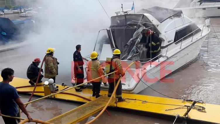 Se incendió una embarcación y generó alarma en zona cercana al Thompson