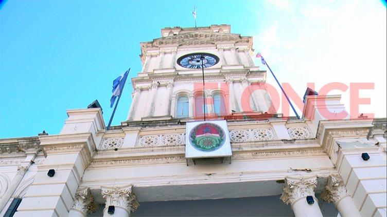 El gobierno pagará un aumento del 11.4 % a activos y pasivos provinciales