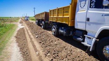 Continúan los trabajos de recuperación de caminos rurales