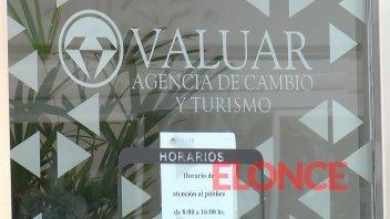 El dólar salta a más de 60 pesos en Paraná en un clima de incertidumbre