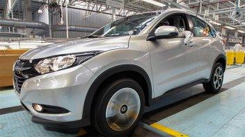 En medio de suspensiones y despidos, la producción de vehículos sigue en caída